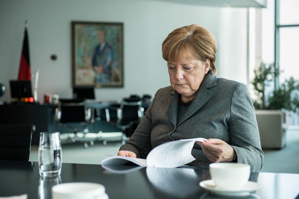 Angela Merkel, Büro